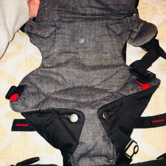 0b95d1e4f53 Infantino Other - Infantino Fusion Flexible Position baby Carrier